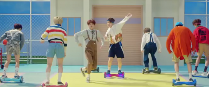 The kids dancing with the hoverboard: NCT Dream Chew Gum